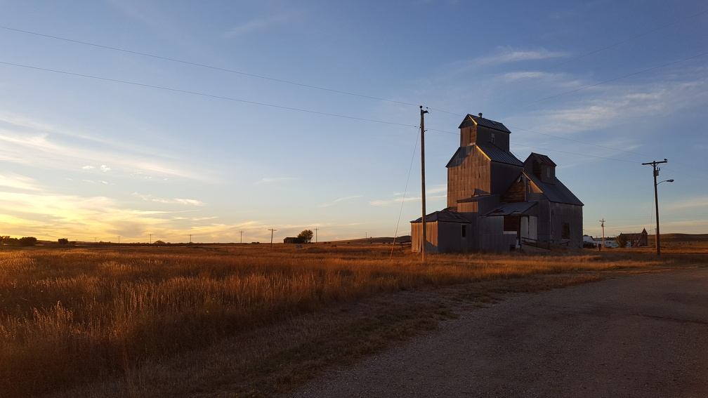 Don't worry, still plenty of run down buildings for me to photograph. This one from nearby CottonWood.