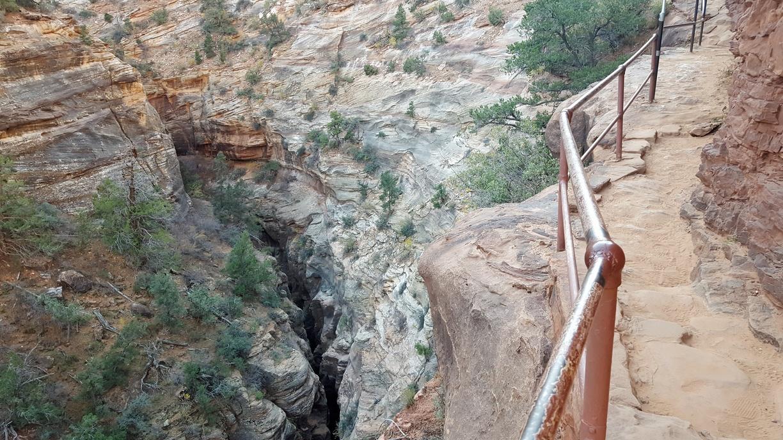 Nifty but inaccessible slot canyon.